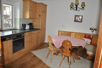 Kitchen with dining table holiday apartment 4 Elisabeth apartments