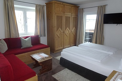 Bedroom with sofa Holiday apartment 4 Elisabeth apartments